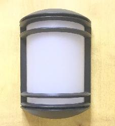 Modern Half Cylinder Shape Design Outdoor Bulkhead LED Light