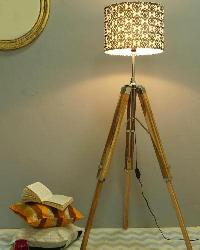 New Flower Design Fabric Shade With Wood Tripod Floor Lamp